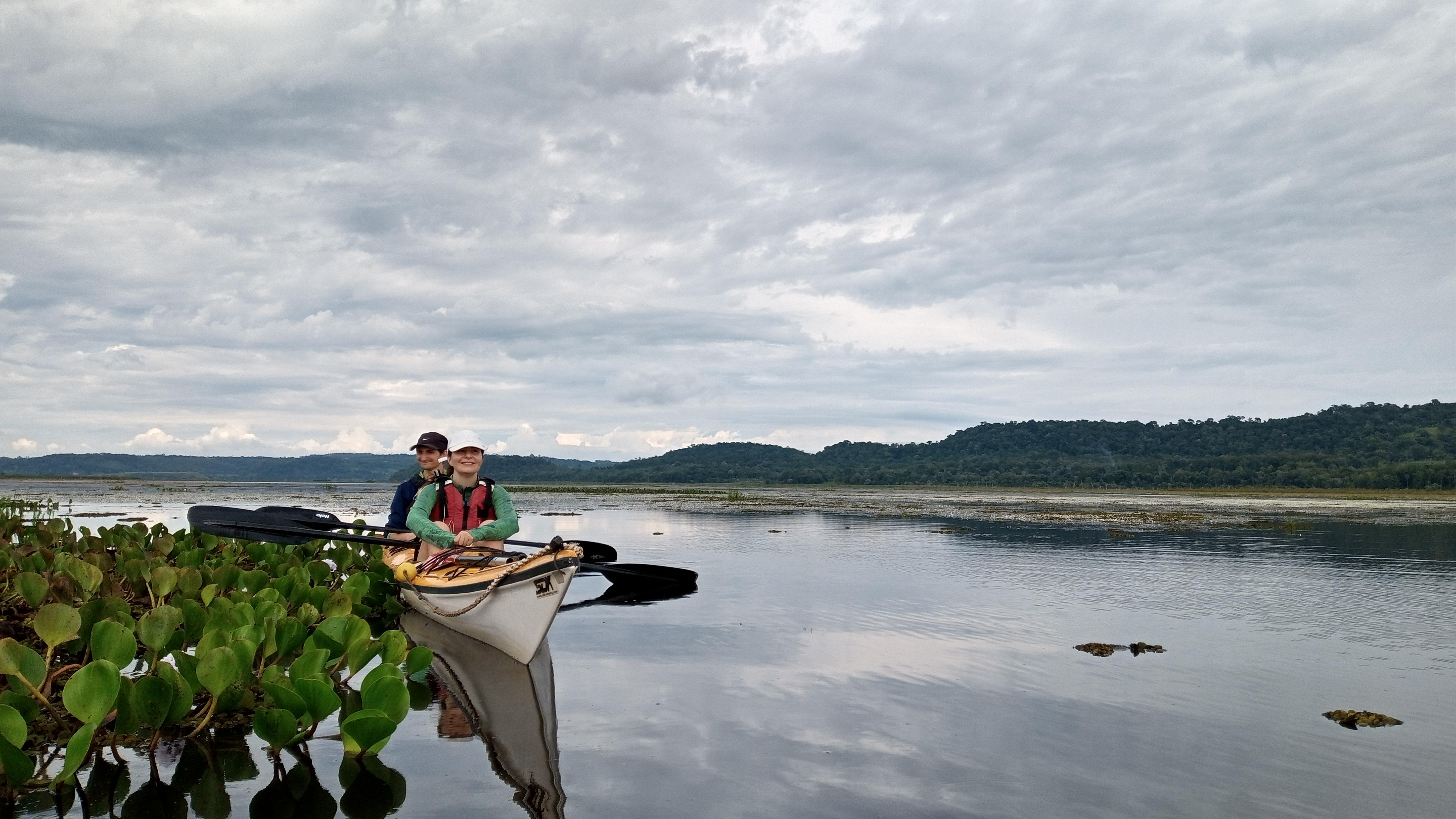 En Kayak por el río Yabebirí, San Ignacio, Misiones, Argentina.